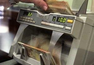 Курс евро на межбанке продолжает снижаться