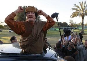 Экс-соратник Каддафи: Развитие ситуации в Триполи не позволит Каддафи выжить, а застрелиться самому - не хватит смелости
