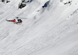 В Альпах горнолыжник провел под лавиной 17 часов