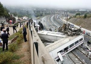 Число жертв крушения поезда в Испании достигло 77-ми человек