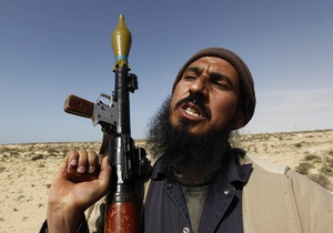 Ливийские повстанцы отступают из Бреги
