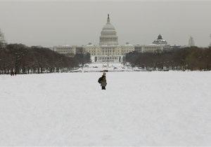 Новый удар снежной стихии по Вашингтону: аэропорты, метро и политики приостановили работу
