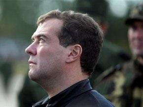 СМИ: Медведев поручил создать центр подготовки специалистов по информационным войнам