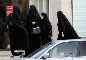 В Саудовской Аравии школьницу приговорили к 90 ударам плетью и двум месяцам тюрьмы за нападение на директора