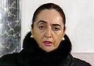 Вдова первого президента Грузии угрожает сжечь себя возле парламента