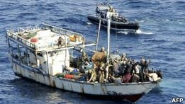 Британские ВМС задержали 13 сомалийских пиратов