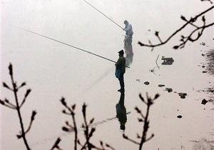 В Киеве запретили ловить рыбу в весенне-летний период