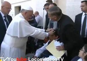 Журналисты уличили Папу Римского в экзорцизме. Ватикан опроверг
