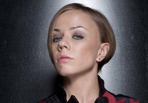 Экс-солистка группы Лицей Елена Перова порезала себе вены, а затем попала в ДТП - Life News