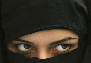 Арабский дипломат развелся с женой, скрывавшей бороду