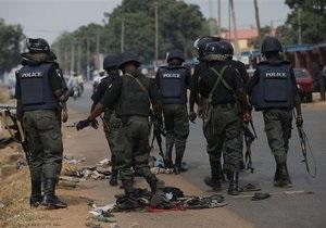 Беспорядки в Нигерии: более 200 погибших, десятки тысяч беженцев