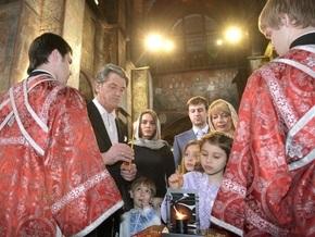 Ющенко пригласил Тимошенко, Литвина и Януковича вместе встретить Благодатный огонь