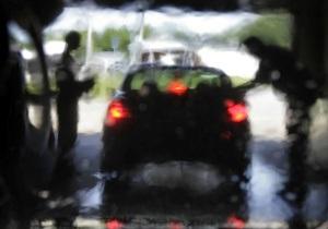 Правоохранители обнаружили около 30 краденых авто