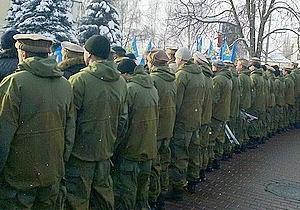Во время церемонии возложения цветов воины-афганцы развернулись к Януковичу спиной