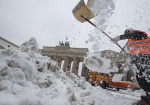 В Берлине водитель уснул за рулем и врезался в Бранденбургские ворота
