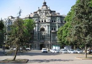 В Одессе обрушилась часть дома Руссова