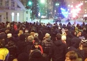 Среди задержанных за драку с полицией после хоккея в Москве оказался следователь
