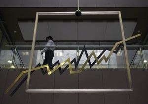 Fitch обещает назвать дефолтом пролонгацию гособлигаций Греции