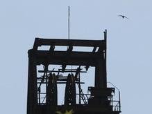 На Донбассе горит шахта: спасатели выводят горняков на поверхность