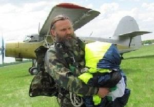 В Винницкой области православной десантно-парашютной школе подарили самолет