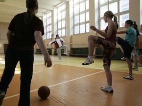 В столице Латвии из-за кризиса закроют 16 школ