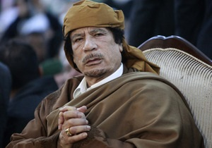 МИД Британии допускает, что Каддафи может остаться в Ливии
