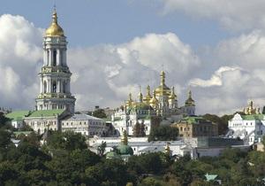 В Киево-Печерской лавре молятся о ниспослании дождя