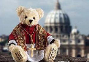 Папа Римский Франциск стал плюшевым мишкой - DW