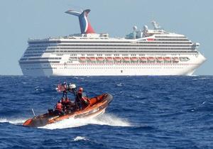 На лайнере Carnival Triumph с 4200 людьми на борту произошел пожар