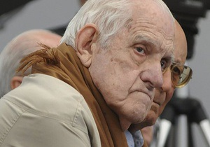Последнего диктатора Аргентины приговорили к новому тюремному сроку