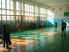 Кабмин официально запретил кроссы на уроках физкультуры