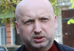 Турчинов прогнозирует, что Азаров уйдет в отставку вслед за министром финансов