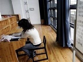 Минобразования призывает вузы не отказывать студентам-контрактникам в отсрочке оплаты