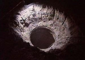 Москва - В Москве трое рабочих погибли в канализации