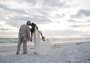 Итальянцам разрешили жениться на пляже