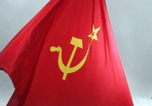 Глава Херсонской ОГА распорядился встречать 9 мая с флагами СССР