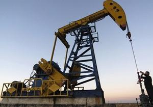 Мировые цены на нефть снижаются из-за угрозы пересмотра рейтинга США