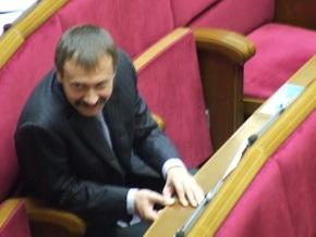 Регионалы потребовали от Литвина срочно подписать закон об увеличении минимальной зарплаты