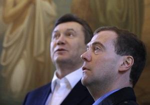 Янукович опередил Ассанжа по упоминаниям в российской прессе