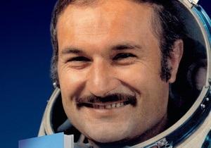 Сегодня украинский космонавт презентует в Киеве свою автобиографическую книгу