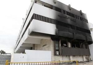 Очевидцы: Жизнь в Триполи остановилась. Ощущается нехватка продуктов