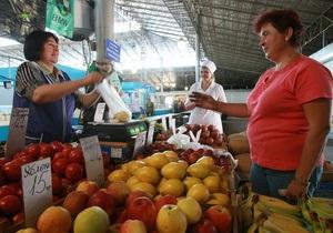 Корреспондент: Тот еще фрукт. Более половины фруктов, продающихся в Украине, выращены за границей