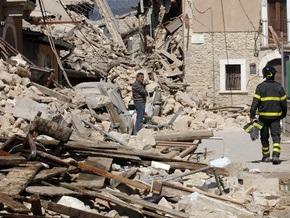 Последствия землетрясений в Италии: более 100 жертв, 1,5 тыс. раненых