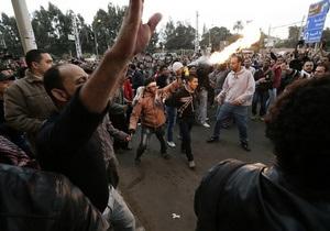 В столкновениях у президентского дворца в Каире пострадали более 120 человек - Египет