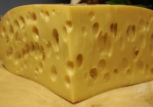 Российские молочники предлагают приостановить импорт сыра из Украины