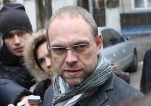 Власенко: Суд должен перенести заседание из-за состояния здоровья Тимошенко