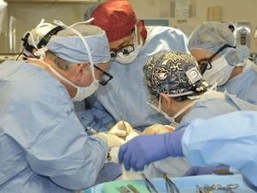 Литовские врачи извлекли из живота пациентки забытый 13 лет назад крупный инструмент