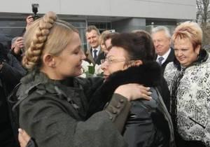 На мать и тетю Тимошенко оказывают давление - председатель днепропетровской Батьківщини