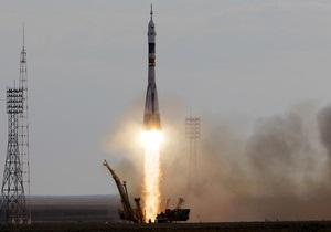 Корабль Союз повез экипаж на МКС