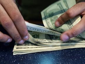 С начала года украинцы купили инвалюты на $2,7 млрд больше, чем продали
